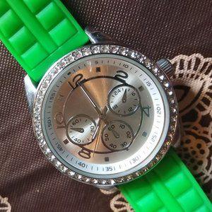 Đồng hồ nữ Accutime