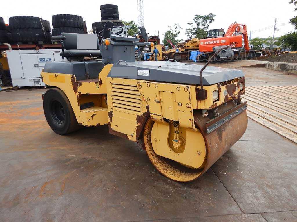 Bán xe lu rung KOMATSU JV40CW-5E0 2005